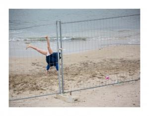 Une fillette bien plus forte de tout la plage à la Pointe Rouge - Marseille © Trojanowski Jakub 2015